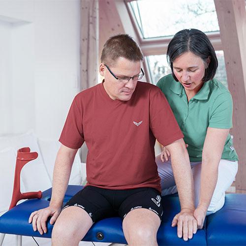 Neurologische Patienten können mit Physiotherapie verlorene oder fehlgesteuerter Funktionen zurückgewinnen oder verbessern.